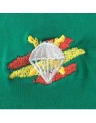Camisetas y polos con escudos bordados